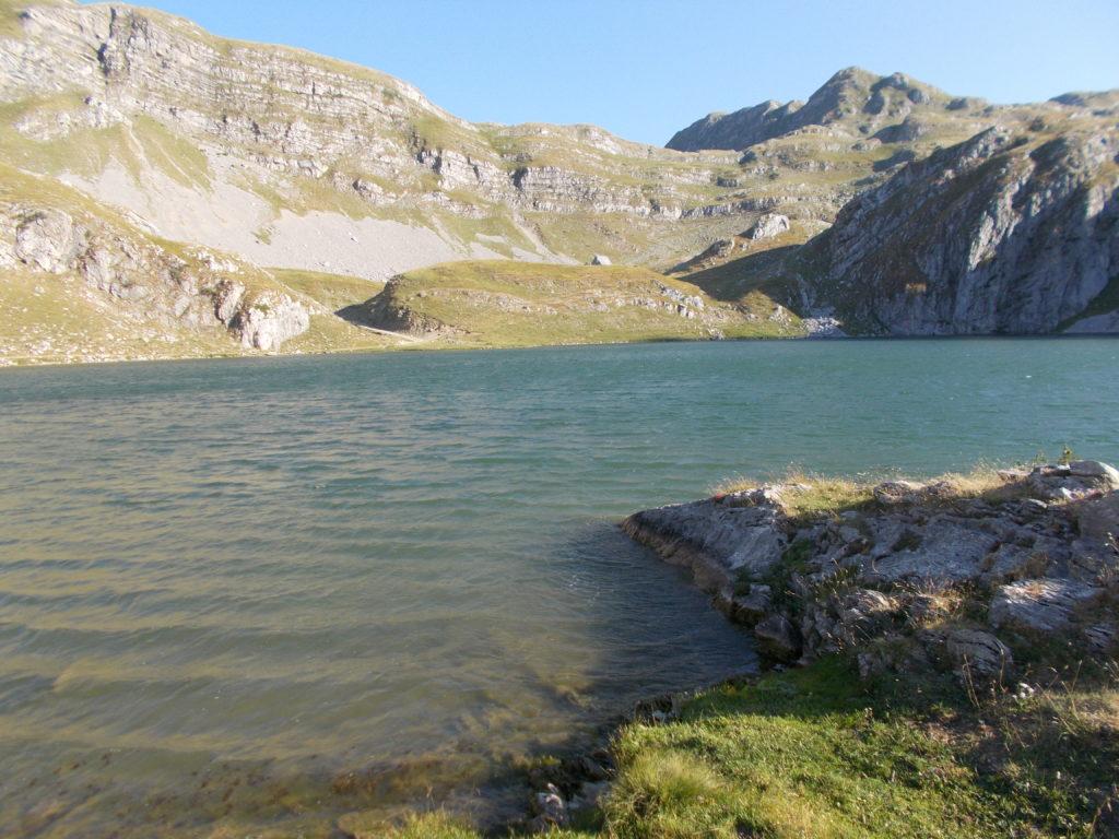 Kapetanovo jezero u zoru